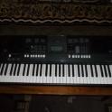 Продам б/у синтезатор YAMAHA PSR-E423. Торг возможен!!!!!!!!!! На гарантии до февраля!!!!!!!!!