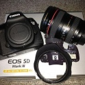 Canon EOS 5D Mark III with 24-105mm IS L Lens (US)