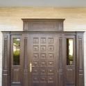 деревянные лестницы и шпонированные двери и другие декор элементы