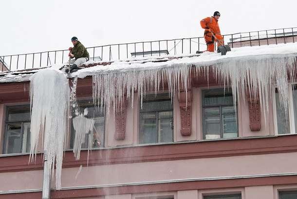 Очистка снега и сосулек с крыш Алматы
