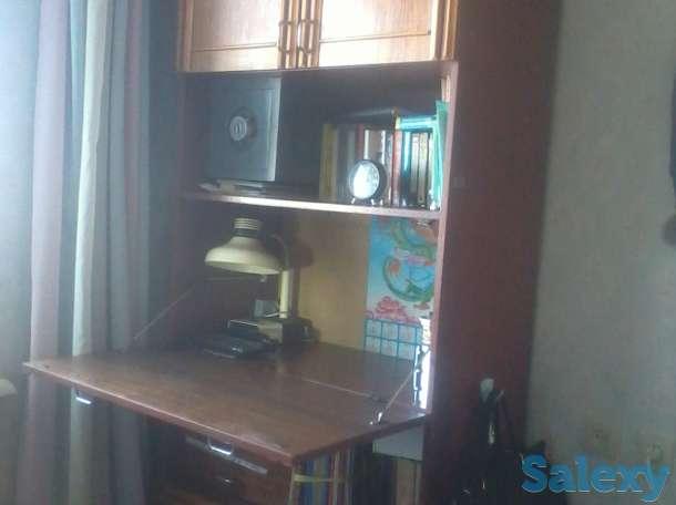 продаем секретер высокий ученический с выдвигающимся столом и полочками, фотография 1