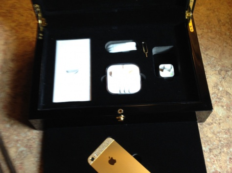 Яблоко iPhone 5S 64Gb Neverlock (золото), фотография 5