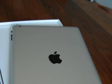 Продам Ipad Apple 3 черный на 64 гб, сим карта.коробка, чехол. Цена 40000 тг. Покупал за 158 тыс в начале 2014 года. Але, фотография 1