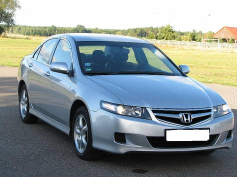 Honda Accord 2.4i, фотография 2