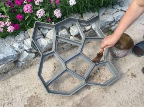 Продажа форм для изготовления садовых дорожек, фотография 1