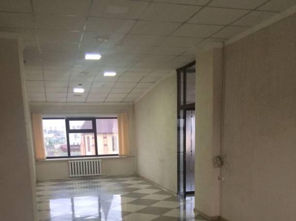 Cдам в аренду помещение в торговом ломе, пр. Абая Кунанбаева 65а, фотография 1