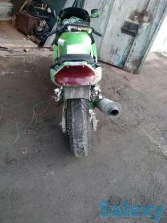 Мотоцикл кавасаки ниньзя ,требует покраски,имеються запчасти, фотография 1
