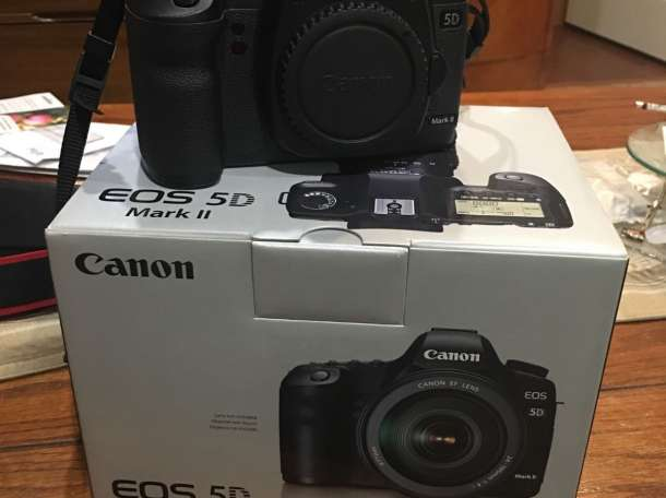 Canon EOS 5D Mark II 22.3 MP Camera, фотография 1