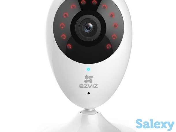 Продам компактная беспроводная IP камера для дома или офиса с широким углом обзора 111 градусов, фотография 1