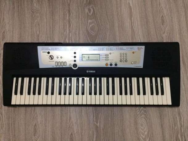 Продам Синтезатор Yamaha PSR-R200, фотография 1